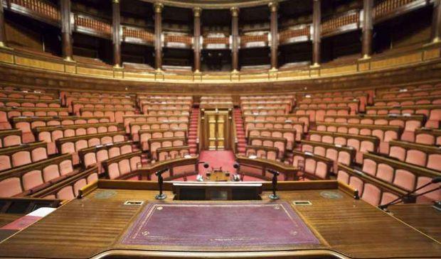 Parlamento quasi chiuso, ma deputati e senatori si tengono la diaria