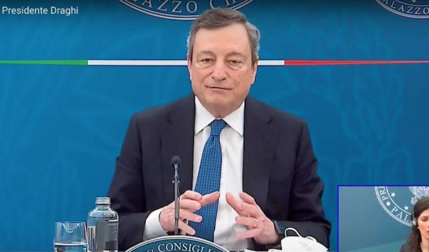 """Conferenza stampa Draghi oggi: """"scommessa sul debito buono""""."""