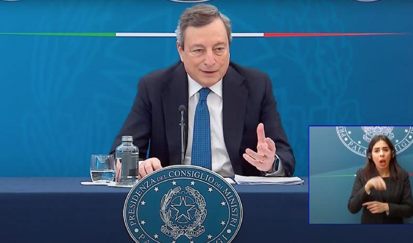 Draghi, dopo Pasqua scuole aperte fino alla prima media in zona rossa