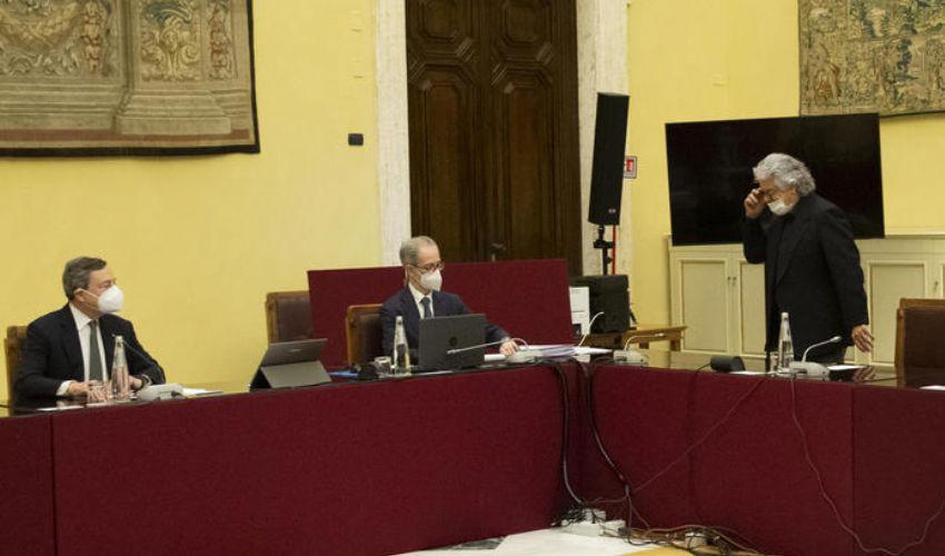Draghi, i 5Stelle aspettano il voto degli iscritti su Rousseau