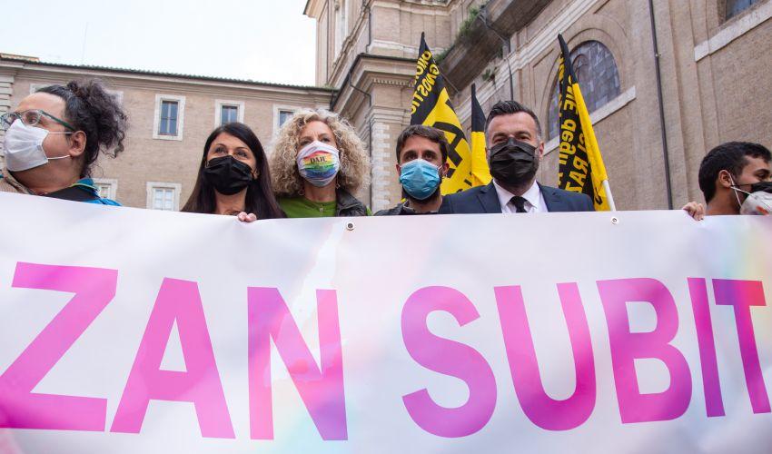 Ddl Zan: cosa prevede il testo della legge contro l'omotransfobia