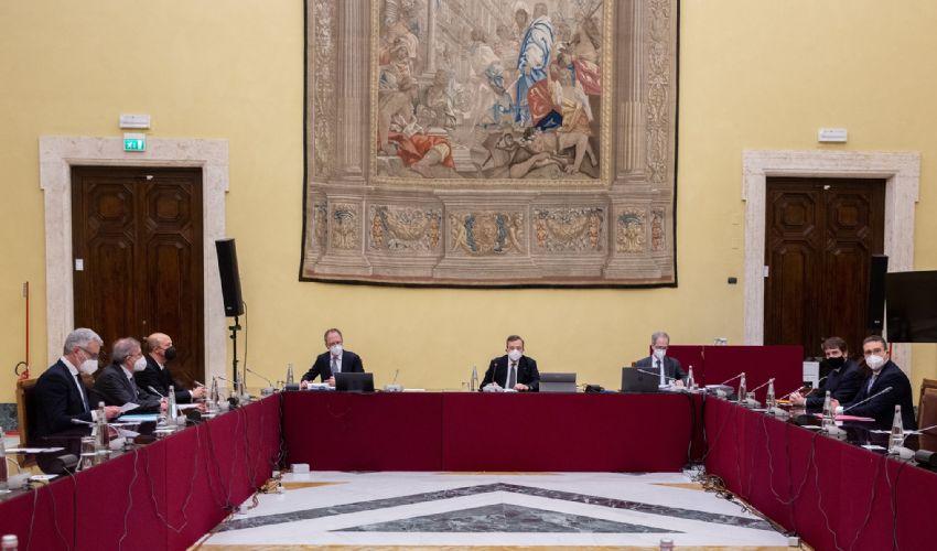 Sì al super ministero della transizione ecologica nel governo Draghi