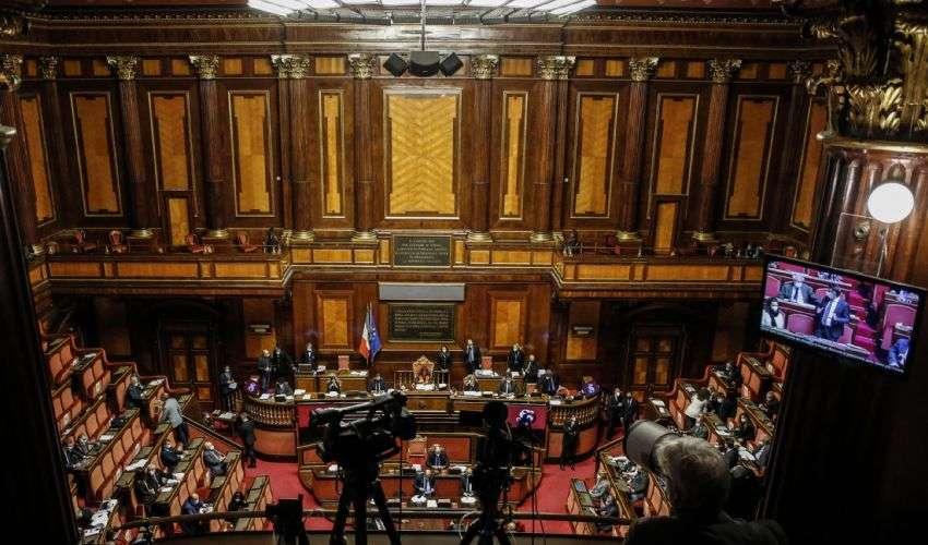"""Legge di Bilancio 2021 approvata. Le reazioni alla """"Manovra dei bonus"""""""