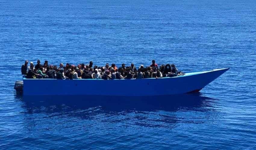 Sbarchi migranti e Cabina regia: oltre 2mila in 24 ore a Lampedusa