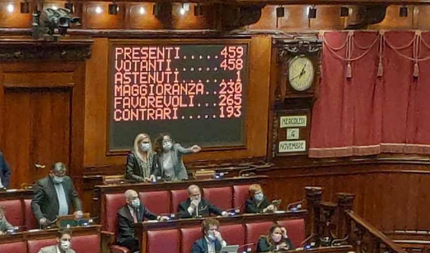 Omofobia, la Camera approva a scrutinio segreto la nuova legge