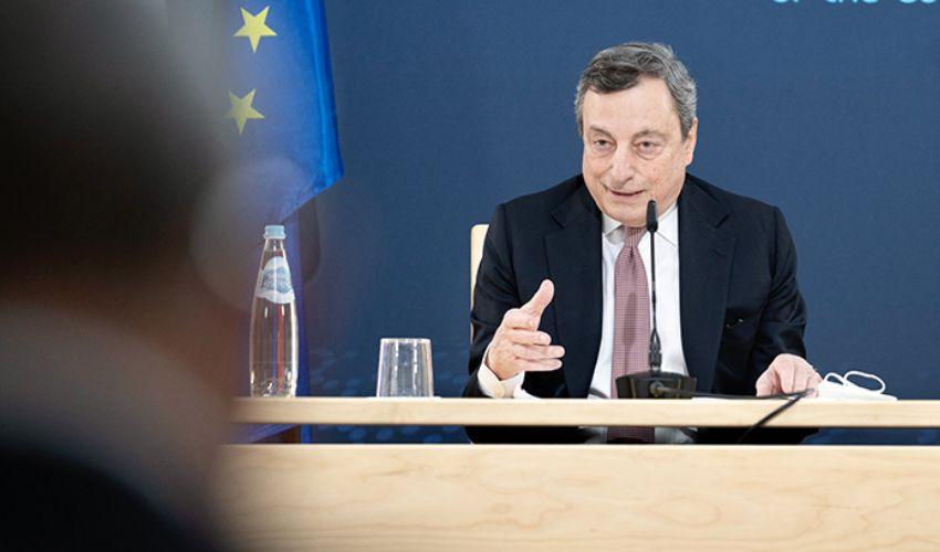 Riaperture, Draghi prudente: coprifuoco alle 23. Si decide lunedì