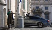 Conte si è dimesso, la crisi nelle mani di Mattarella. Gli scenari