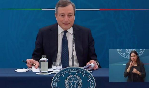 """Draghi: """"32 mld di aiuti per imprese, lavoro e lotta alla povertà""""."""