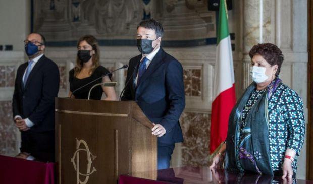 """Le consultazioni, Renzi: """"Sostegno a Draghi"""". Leu: """"Mai con la Lega"""""""