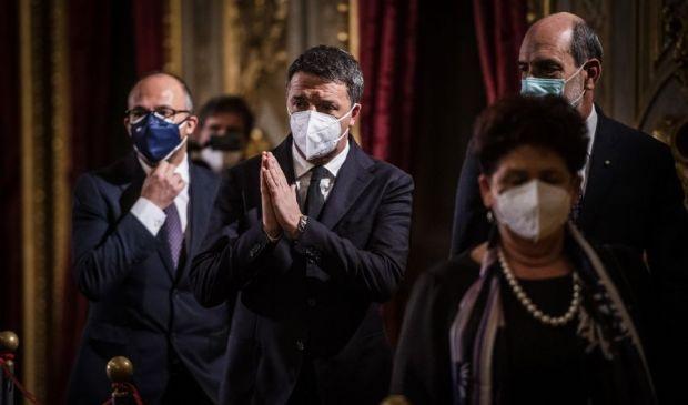 Zingaretti resta ancora incollato a Conte, Renzi chiede discontinuità