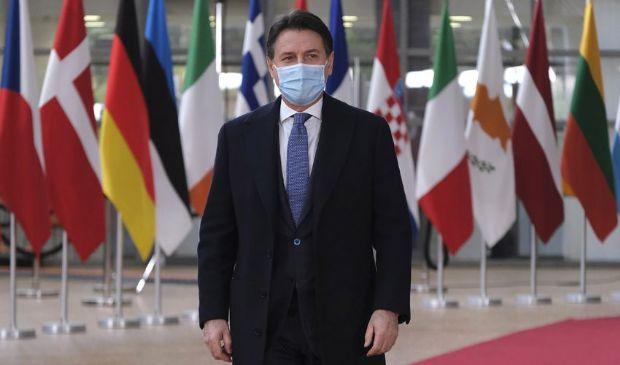 Conte cerca una sintesi sul Recovery Fund per arginare Renzi
