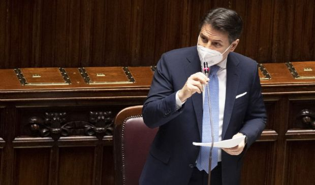 """Conte """"Crisi senza un plausibile fondamento"""". Appello ai """"volenterosi"""""""