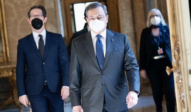 Dpcm marzo 2021, oggi la firma di Draghi ma rimane nodo scuola