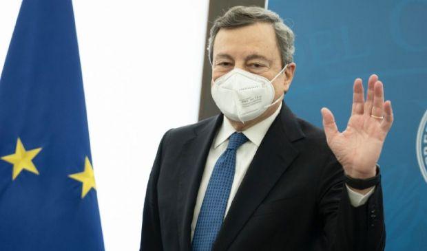 """Ultimo giorno in zona rossa. Draghi: """"Che sia una Pasqua di rinascita"""""""