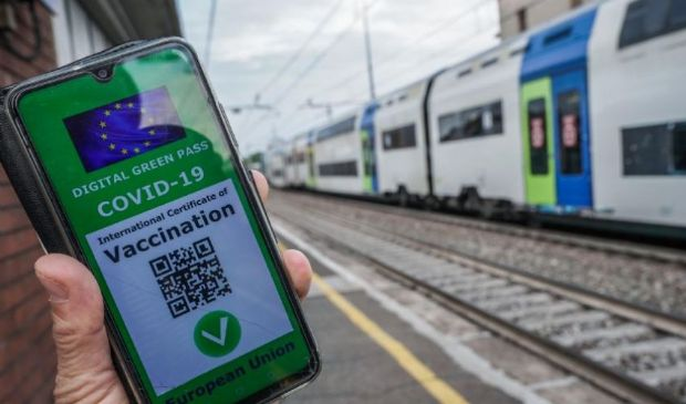 Green Pass obbligatorio su navi, treni e aerei per rientro da vacanze