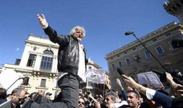 Beppe Grillo e la storica manifestazione a Roma dopo le Quirinarie