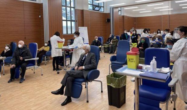 Mattarella si è vaccinato allo Spallanzani, il tweet del Quirinale