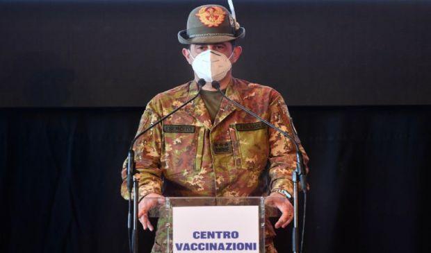 Vaccini: Figliuolo annulla gara hub, spinge su capillarità territorio