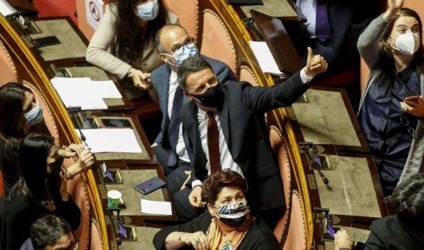Renzi, Conte e le trappole per Pd e M5S. Intanto i totiani si sfilano
