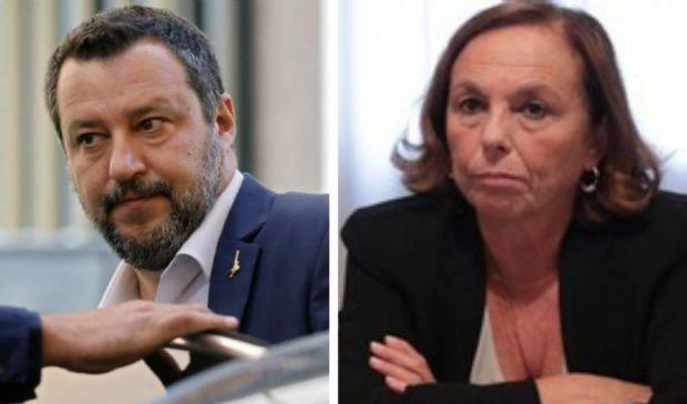 """Salvini ancora contro Luciana Lamorgese: """"Ministra assente""""."""
