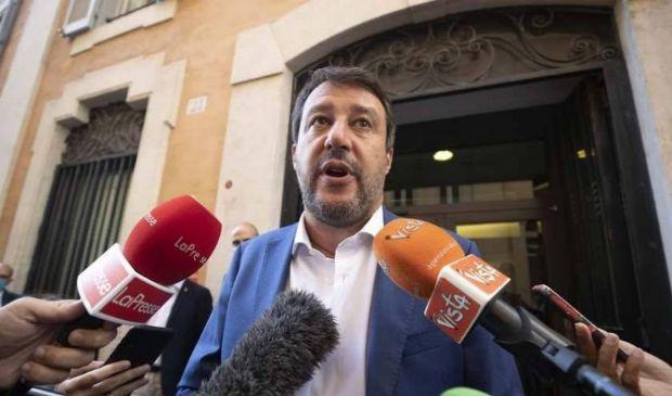 Ultimatum di Salvini al governo sugli sbarchi: stop o sarà un problema