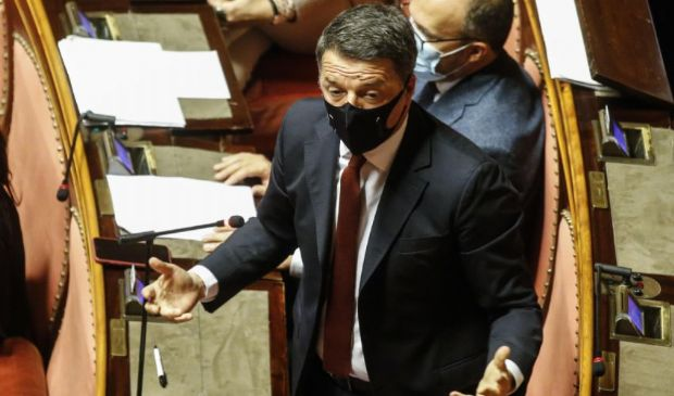 """Servizi segreti, è ancora braccio di ferro. Renzi: """"Conte lasci"""""""