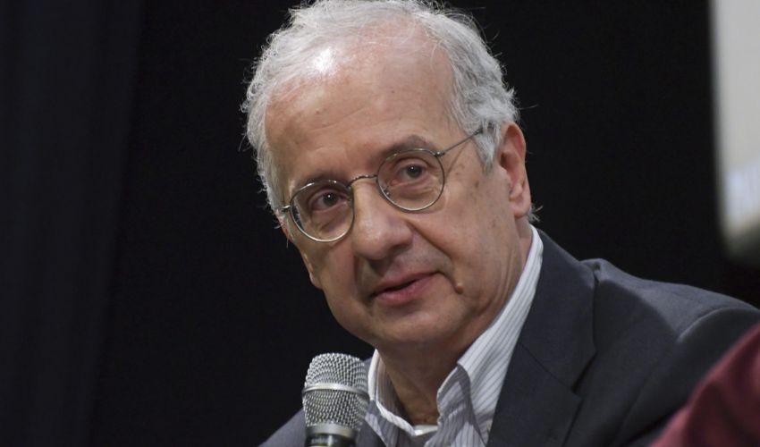 Walter Veltroni: età, moglie famiglia, biografia, film regista libri