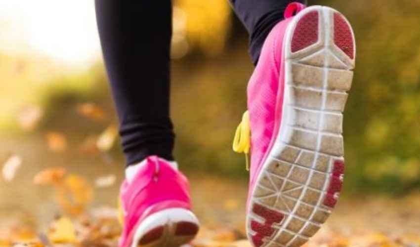 Camminare 10.000 passi al giorno: fa bene alla salute e fa dimagrire
