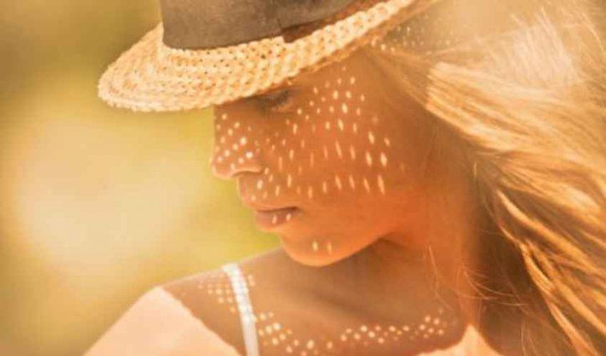 Come schiarire i capelli: rimedi naturali a base di camomilla e limone