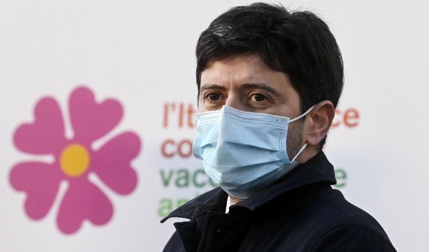 Nuovo piano pandemico: cos'è, cosa prevede, chi sarà curato per primo