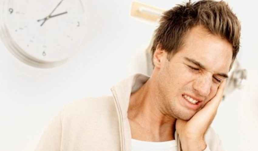 Gengivite: cos'è, cause, rimedi, sintomi sanguinamento gengivale
