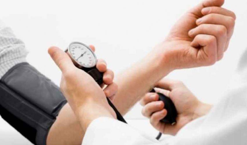 Pressione alta: cos'è sintomi e cause ipertensione, valori normali