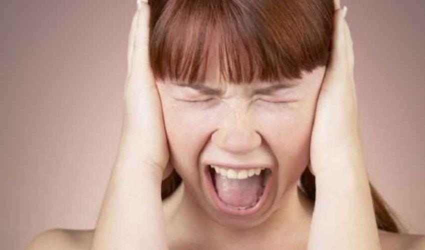 Orecchie tappate rimedi: cosa fare, cause sintomi, bagni cerume musica