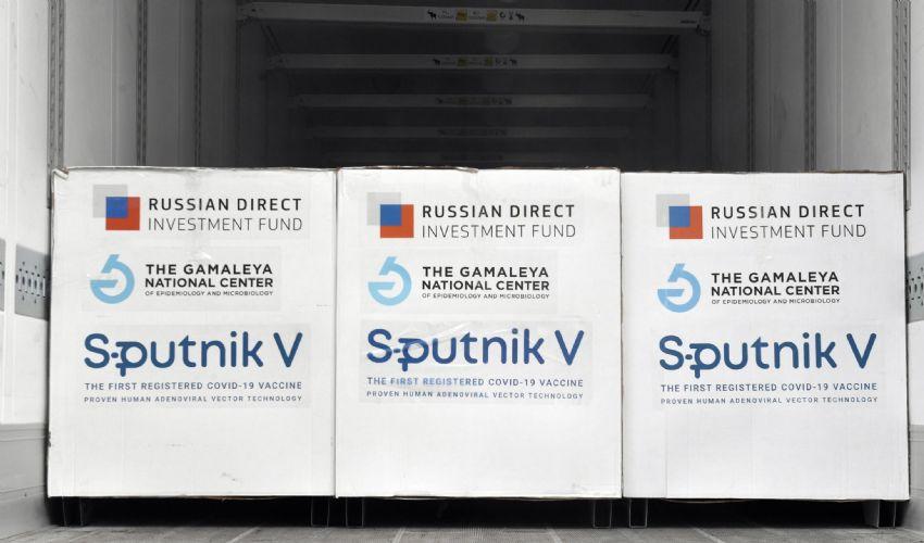 Sputnik, produzione in Italia. Cosa si sa del vaccino: efficacia, dosi