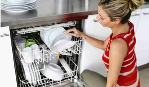 Come pulire la lavastoviglie con i rimedi naturali bicarbonato e aceto