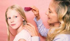 Pidocchi capelli: cause e rimedi contro pediculosi e lendini