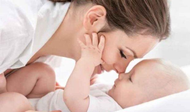 Allattamento al seno: cosa mangiare ed evitare per aumentare il latte