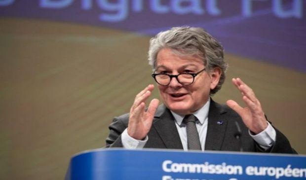 """Breton: """"All'Italia 54 milioni di vaccini"""". Domani Ema decide su J&J"""