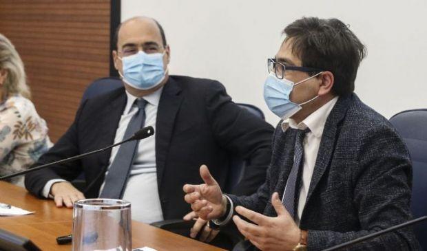 Covid, vaccinazioni ai maturandi nel Lazio. Prime dosi in discoteca