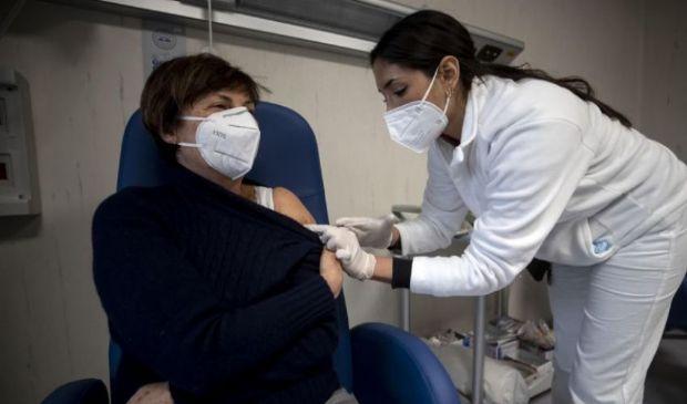 Vaccini, in arrivo altri 4. Sanofi-Gsk supera fase 2. Quando arriverà