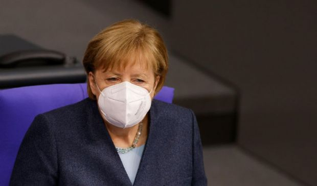 Virus, la variante tedesca: cosa si sa finora, pericolosità e contagio