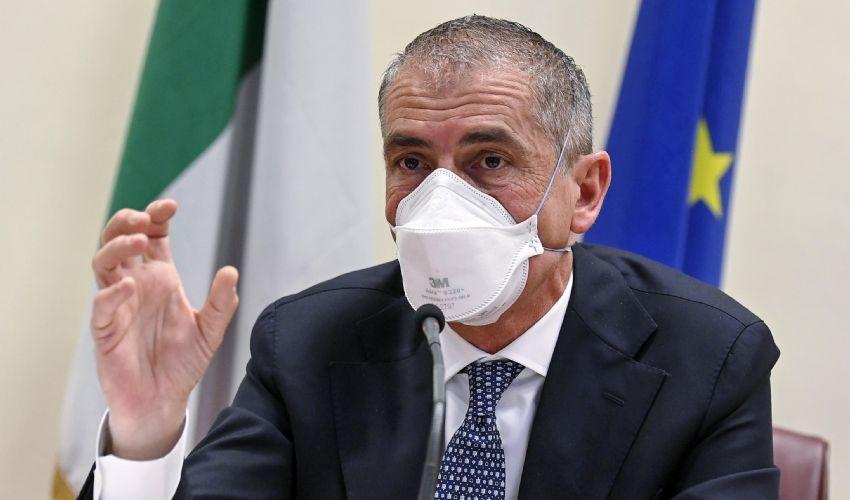 """Vaccini, Costa: """"Terza dose entro l'anno"""". Novità e ultime notizie"""