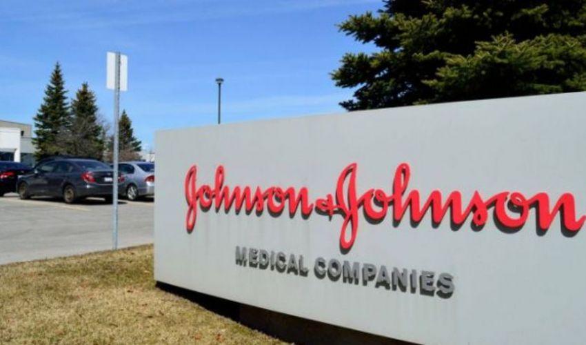 Johnson & Johnson sospeso, in Italia forse destinato agli over 60