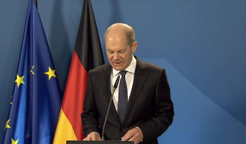 Anche Olaf Scholz corre per sostituire Merkel ma l'Spd è in calo