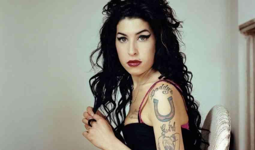 Amy Winehouse anniversario della sua morte avvenuta il 23 luglio 2011