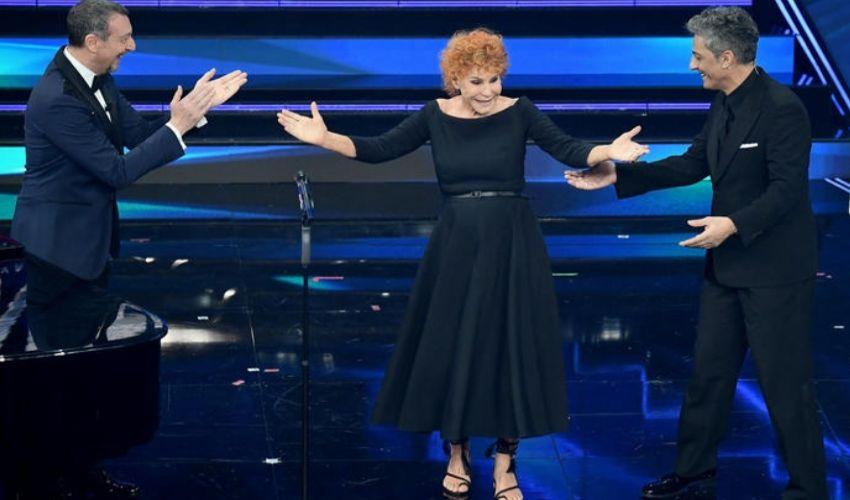 Finale Sanremo 2021: Vanoni show. Tutti gli ospiti, Ibra si congeda