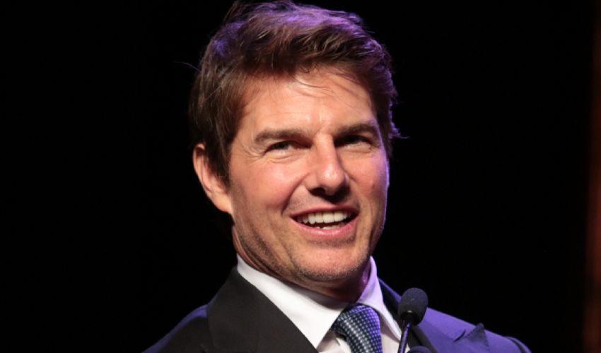 Niente Golden Globes 2022: Tom Cruise per protesta restituisce i premi