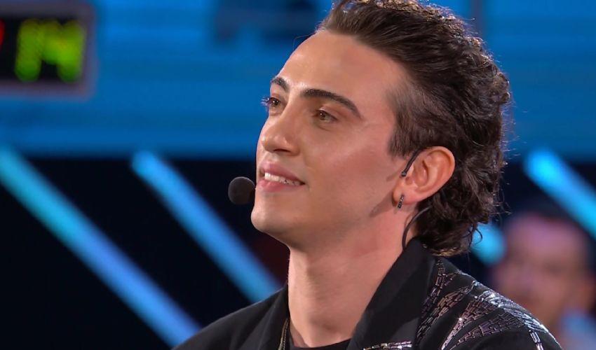 Michele Bravi: età altezza, carriera biografia, finale Amici Speciali