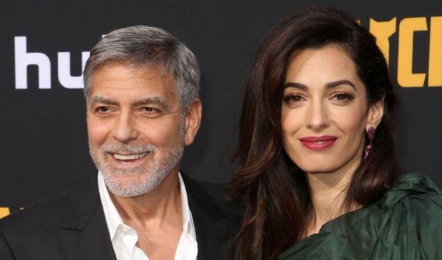 """I Clooney cercano casa nel sud della Francia e vicino ai """"Brangelini"""""""