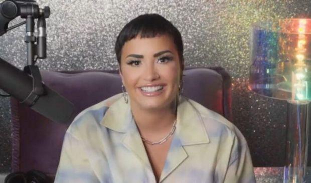 """Demi Lovato è """"non binaria"""" e pansessuale: l'annuncio e il significato"""